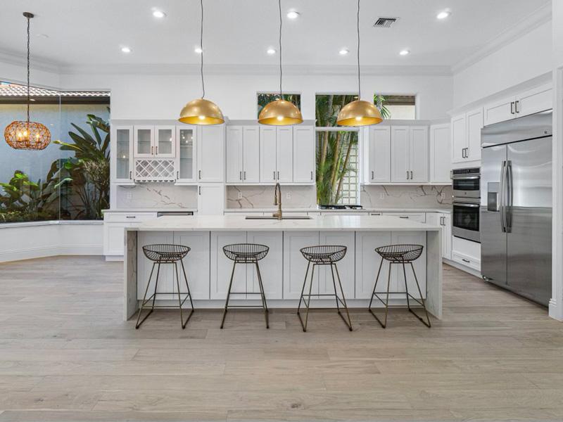 Coastline Amelia Oak Full kitchen